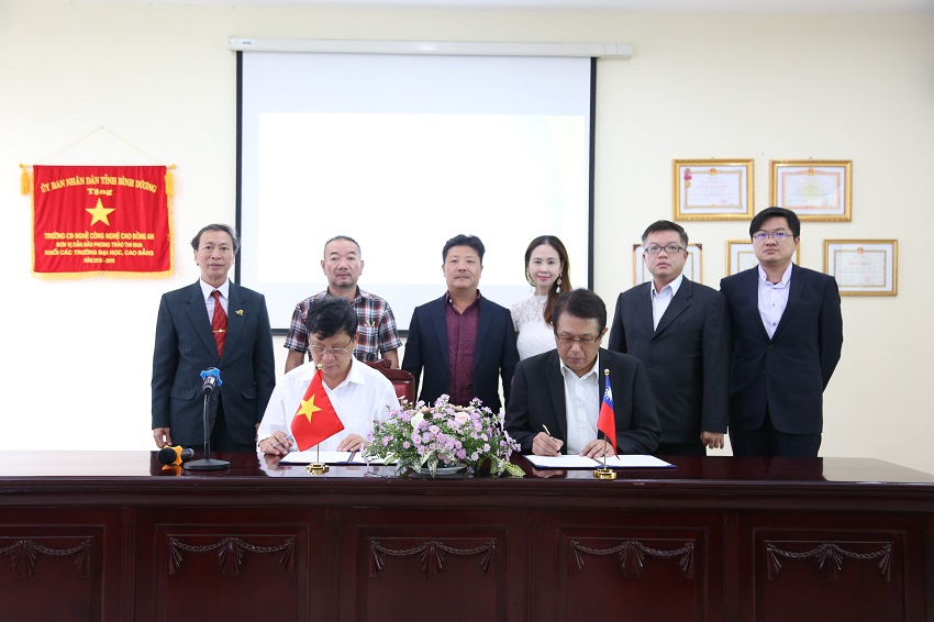 1/le-ky-ket-mou-voi-hiep-hoi-dao-tao-nghe-dai-loan-06092019-3_06092019012135843_rmfmgzep.hfc.jpg